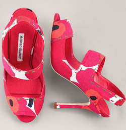 manolo-blahnik-orange-pink-slingback