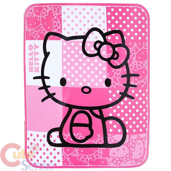 Sanrio_Hello_Kitty_Plush_Blanket_Pink_1