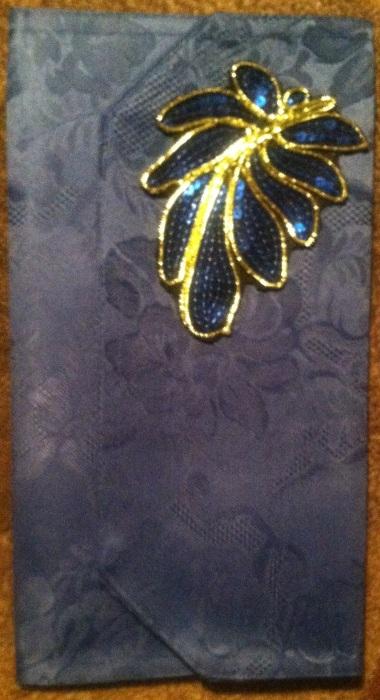 Blue Clutch (1)