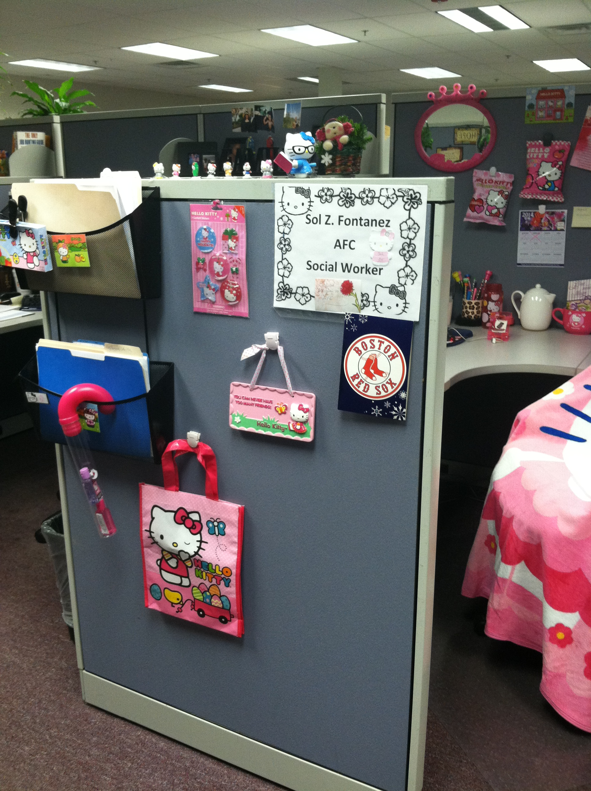 Hello Kitty 3-14 Cubicle (2)