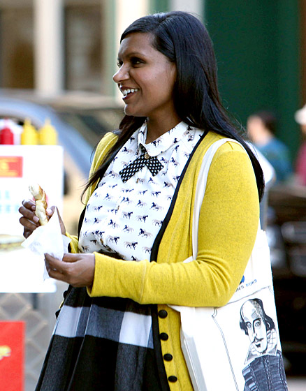 1396283697_mindy-kaling-hiring-and-firing-560